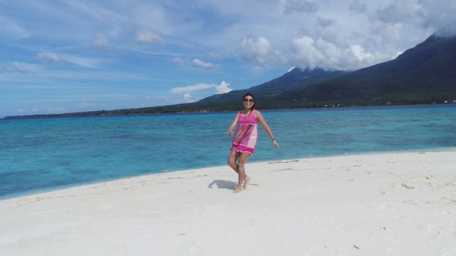 Camiguin's White Island. Photo by Nelson.